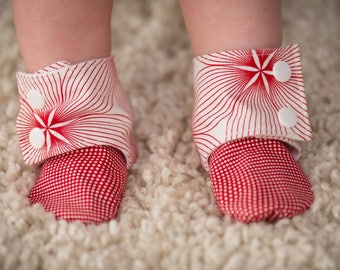 Girls booties, Crib shoes, Baby booties, Stay on baby slippers, Baby photo prop, Toddler slippers, Baby booties, Slippers, Stay on baby boot