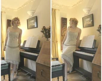 Vintage 1920s Style Flapper Dress, The Great Gatsby Pale Pink Drop Hem Beaded Party Dress. UK 8-10