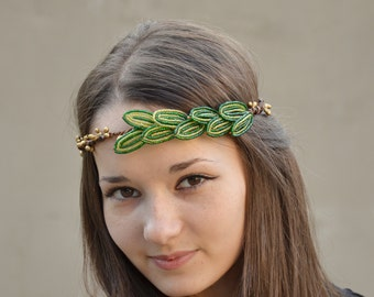 Leaf Crown,Woodland bridal hair crown, Green leaf of seed beads and gold berries, leaf wedding headpiece,bridal headband, tiara, bridal halo