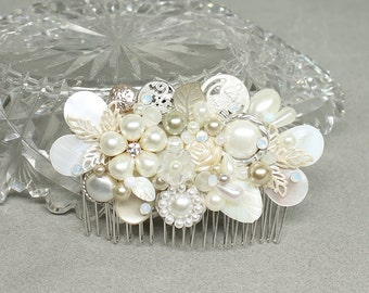 Pearl Bridal comb- Wedding Comb -Bridal Hairpiece- Champagne Clip- Pearl Hairpiece- Bridal Hair Accessory- Wedding Hairpiece- Champagne Comb