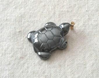 Hemalyke Turtle Pendant with Bail - 28 x 22 mm