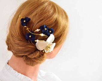 Navy blue and ivory fascinator Bridesmaids navy head piece Wedding hair clip Wedding hair accessories Bridesmaids hair flower