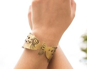 Fish bracelet aged Brass Slave
