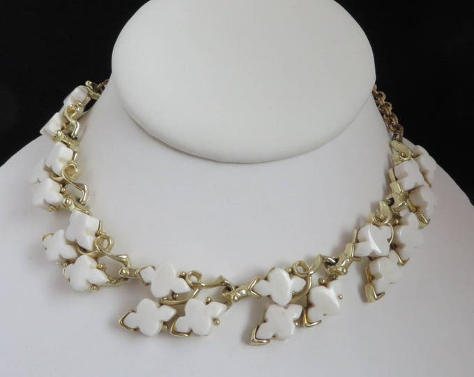 Vintage White Necklace, Thermoset Choker, White Flower Necklace, Goldtone Vintage Jewellery, Gold, Leafy White Choker, Gift for Her