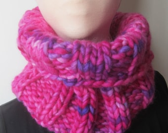 Variegated Pink Chunky Knit Cowl/Pink Cowl/Pink Knit Cowl/Pink Knit Neck Warmer/Chunky Knit Neck Warmer/Ribbed Knit Cowl/Ribbed Knit Scarf