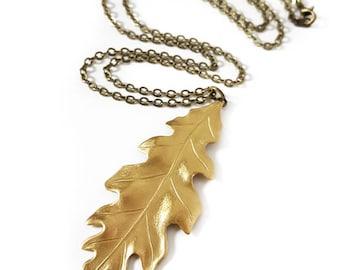 Große Messing-Blatt-Halskette, Messing Eiche Blatt, Antik Messing-Kette, Herbst Halskette, Herbst-Statement-Schmuck, Blatt Schmuck, minimalistisch