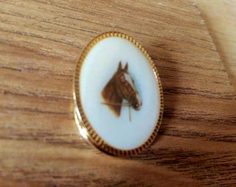 Gold tone cameopainted horse scarf clasp