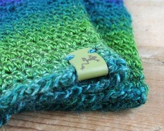 Crocheted wrist warmer fingerless gloves
