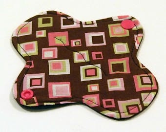 "6"" Ultrathin Reusable Cloth Pantyliner - winged - Quilter's Cotton top - Pink Geometric"