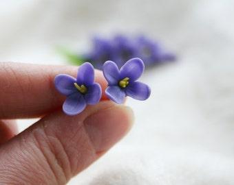 Lilac Blue flower earrings - polymer clay flower earrings - flower jewelry - floral jewelry - botanical earrings - Bridesmaid earrings.