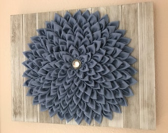 Wall decor kanzashi fabric flower whitewashed pallet blue
