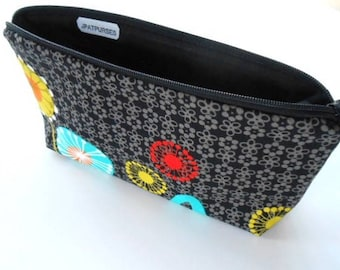 Large Cosmetic Zipper Pouch Large Cosmetic Bag Flat bottom Zipper Pouch Padded ECO Friendly NEW Posey on Black