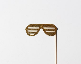 Best Photo Booth Props - Gold Glitter Glasses