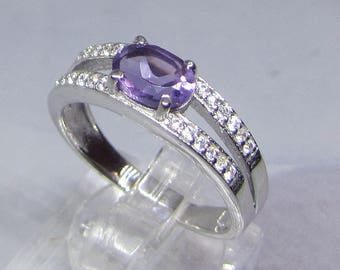 Shiny silver ring and Amethyst (Quartz) size 52
