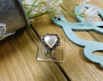 Vintage Silver Mother of Pearl Heart Ring- Size 7