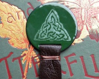 Saint Patrick's Day Bookmark Dark Green Celtic Knot Triangle
