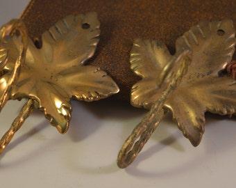 Vintage brass vine leaf hanger,outdoor,kitchen hanger..2 items,set