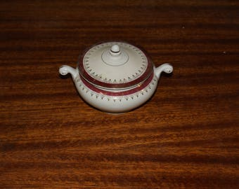 Homer Laughlin Eggshell Nautilus The Cardinal Sugar Bowl with lid