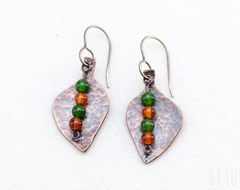 Leaves earrings of hammered copper and jade beads. Beautiful leaf earrings. Copper earrings. Hammered copper leaf earrings. Gift for her