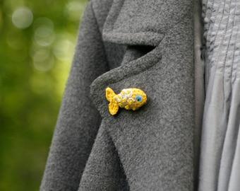 Tiny goldfish crochet brooch - whimsical jewelry - modern crochet pin