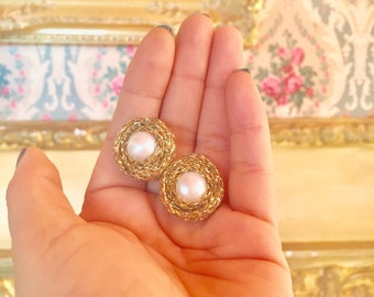 Gerarda earring with central cultivated pearl