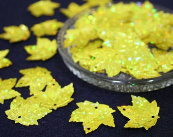 50 • 25 mm Yellow Large Maple Leaf Sequins