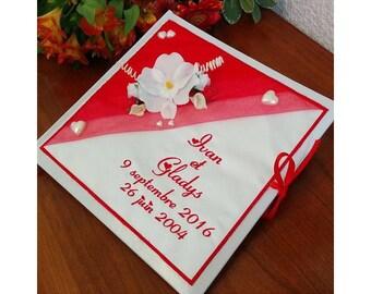 Livre d'or mariage  personnalisé et brodé aux prénoms avec orchidées ou autre / guest book