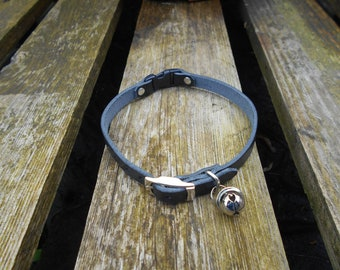 Black Leather Cat Collar With Load Bell