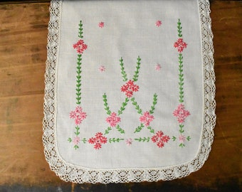 Hand Embroidered Dresser Scarf - Embroidered Runner - Vintage Embroidery - Vintage Dresser Scarf Runner