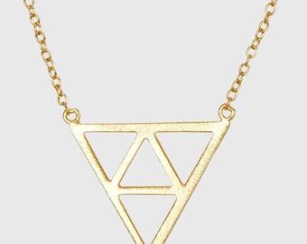 Triangle Necklace , Geometric Charm Necklace , Gold Triangle Chain , Triangle Pendant Necklace
