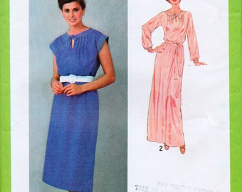 Misses' Pullover Dress with Back Tucks Sewing Pattern Vintage Simplicity 8986, FF, Size 18, Bust 40