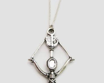 Crossbow Necklace, Bow and Arrow Necklace, Bow Necklace, Archery Necklace, Archer Crossbow Jewelry, Bow Jewelry, Archery Jewelry