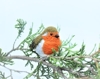 Needle Felted Bird Needle Felted Robin Needle Felted Animal Robin Ornament Bird Ornament Robin Keychain Bird Bag Charm Miniature Robin Gift
