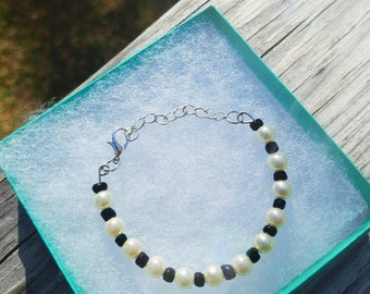 Beautiful basic black and white bracelet