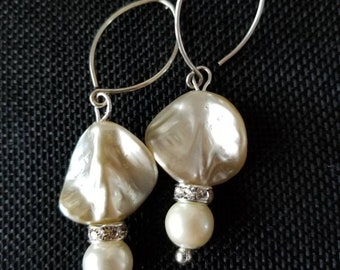 Twisted pearls drop earrings