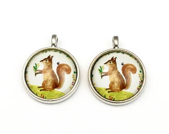 2 squirrel glass pendant and silver tone, 25mm# PEN065