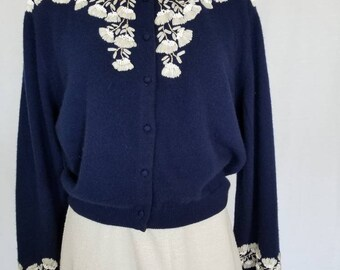 1950s Cardigan // 50s Cardigan Sweater // 50s Embroidered Beaded Cardigan // 1950s Sweater // 50s Cashmere Cardignan // Size Small // Medium