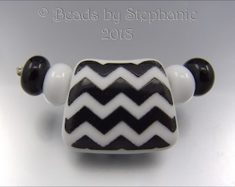 ZIG ZAG Focal Bead & Spacers – Black and White Sandblasted Bead -  Focal Handmade Jewelry Supplies - by Stephanie Gough sra leteam