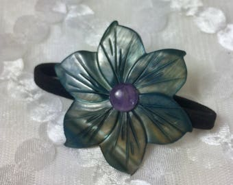 Gemstone and Mother of Pearl Peruvian Lily Hair Tie in Violet Gray
