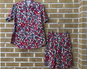 90s floral two piece set, shorts with button down shirt, high waisted shorts -small-