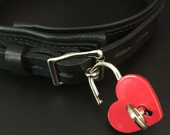 Black Leather BDSM Collar with Locking Buckle