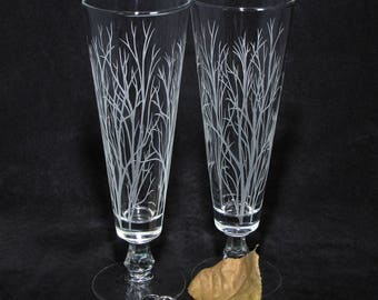 2 Personalized Winter Tree Branches Wedding Flute Glasses, Woodsy Wedding Beer Glasses, Boho Etched Glass