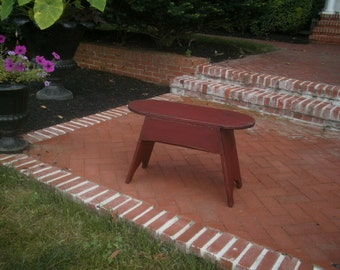 Bench / coffee table  / Barn Red / Distressed