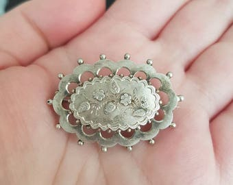 1899 Victorian silver floral brooch arts and crafts style.
