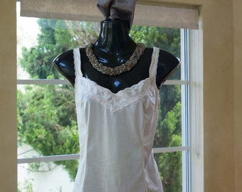 Vintage 1980s Cream Nylon and Lace Camisole, Size 10 (374)