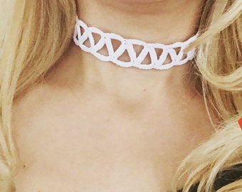 Choker in various designs and colors