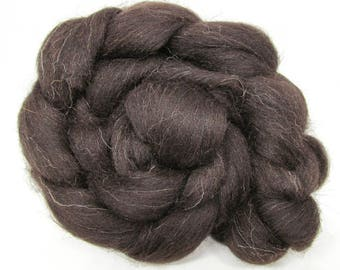 Black Welsh Wool Combed Top Undyed 500g 1.1LB