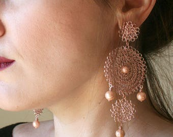 Rose gold big round wire crochet chandelier earrings with pink ivory beads, large statement earrings, formal earrings, wire crochet jewelry