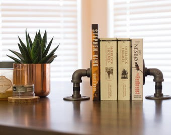 Iron Pipe Bookends - Steampunk - Rustic - Modern - Minimalist - Industrial