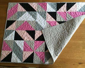Pink to Black Quilt. Modern Lap quilt, Baby quilt.  Handmade and free motion quilted.
